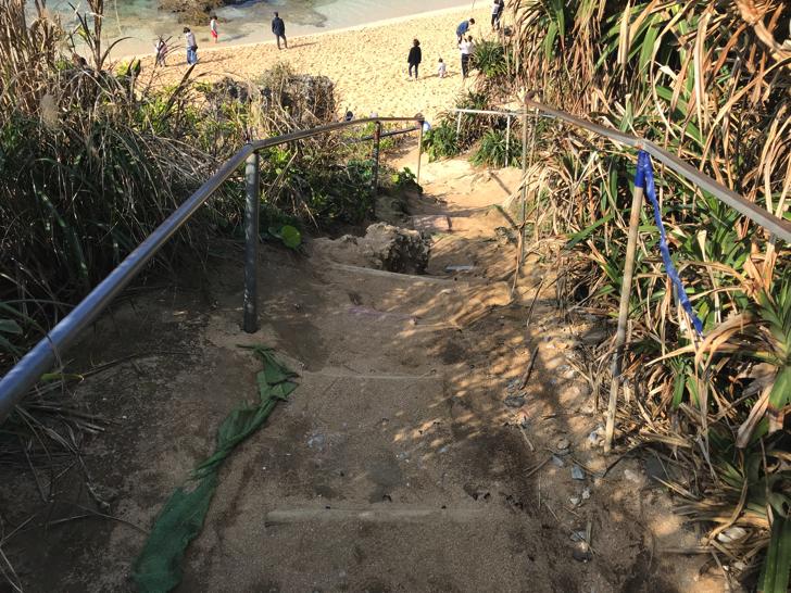 ハートロック(ティーヌ浜)への道のり